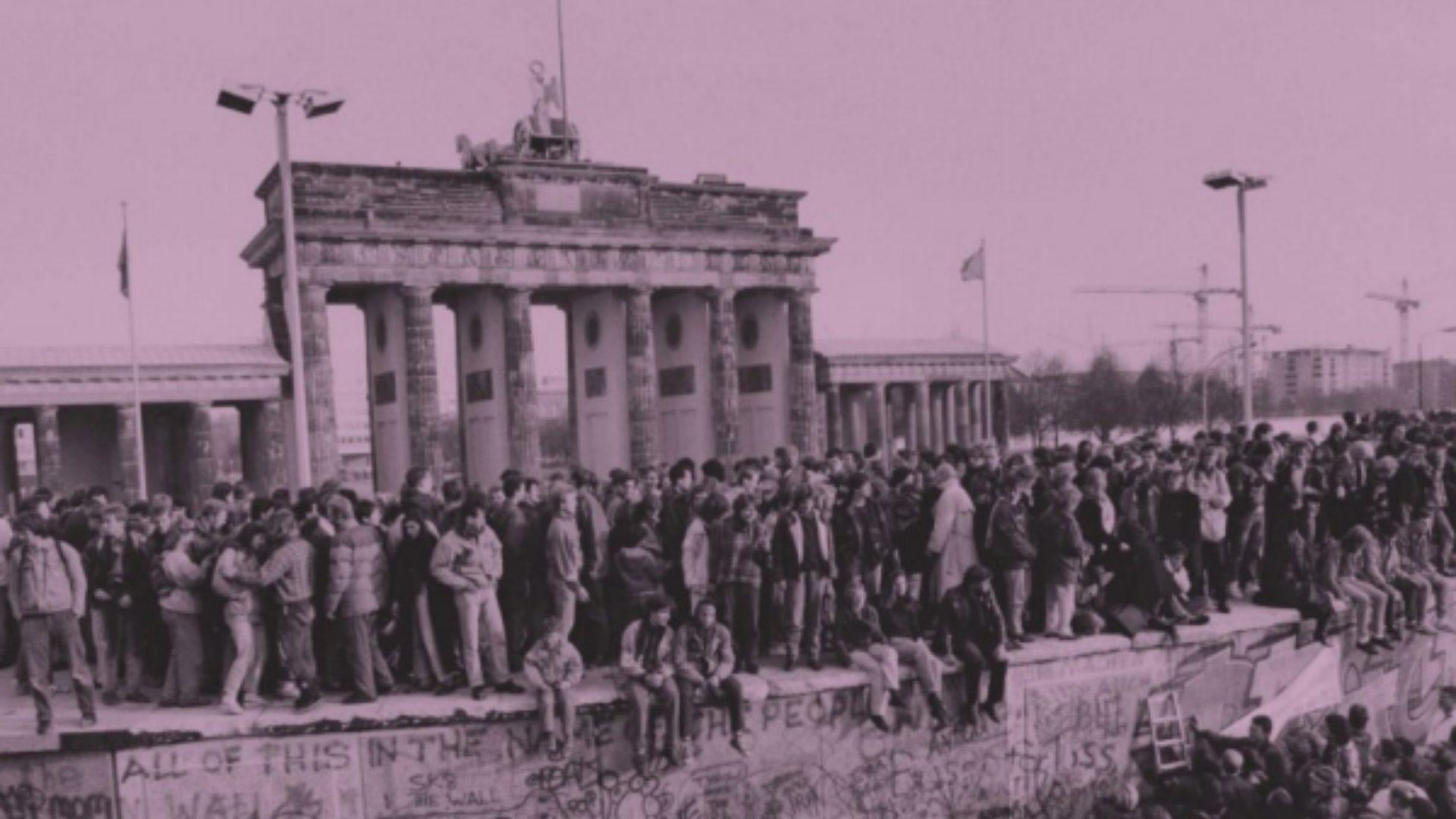 The Big Blippable Berlin Wall Book Taschen Partners With Blippar